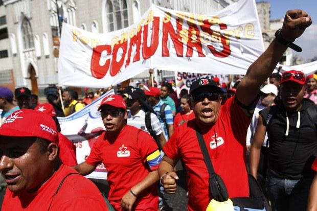 Comunas y movimientos sociales se movilizaron respaldan la Constituyente
